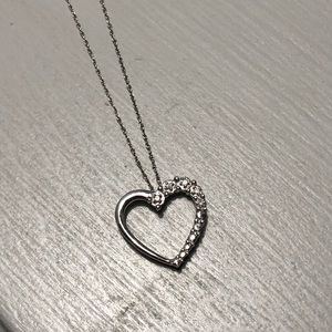 10k white gold heart necklace with diamonds